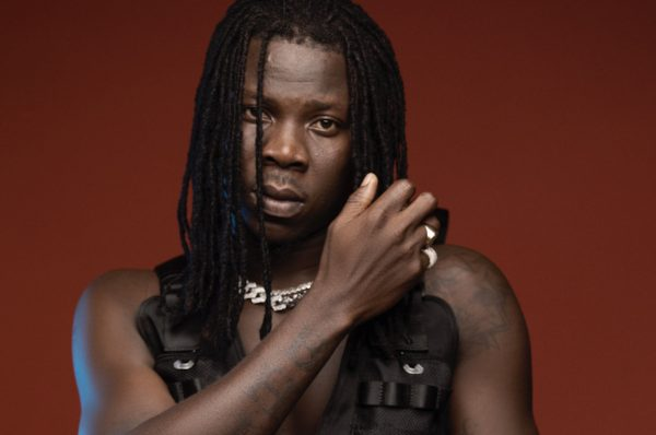 VIDEO: Stonebwoy Shows Off 2020 Range Rover, Customised Swimming Pool