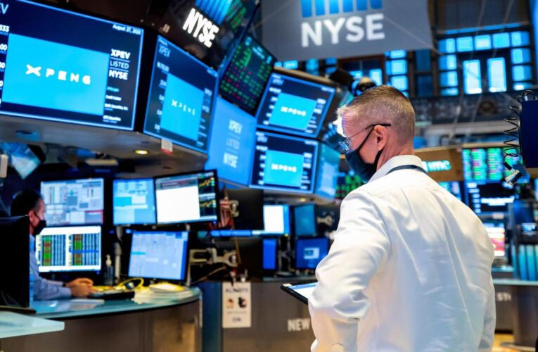 Apple, Oracle Lead As U.S Stocks Post Gains
